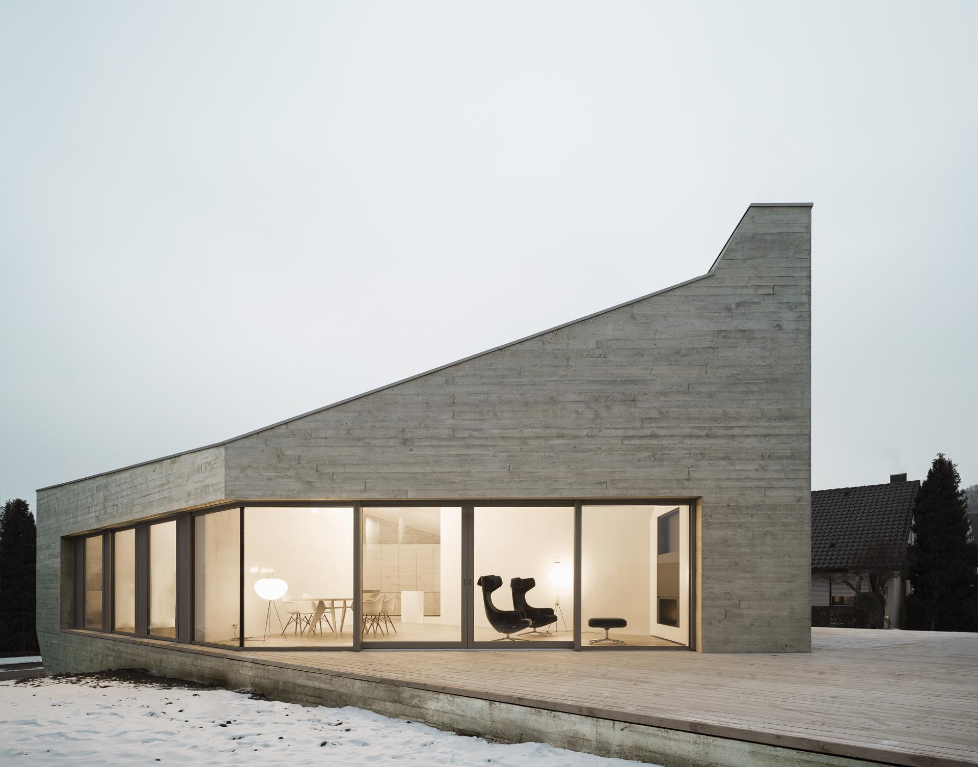 Markant Monolithisch –Das Wohnhaus E20
