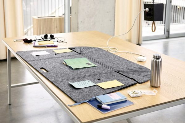 005513_WH_Fold-Up-Workspace_2020